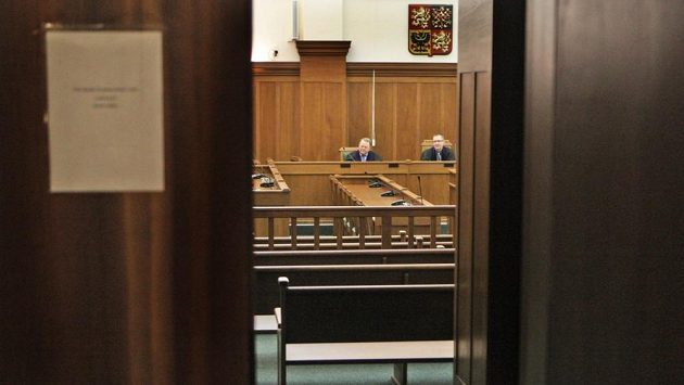 Olomoucký vrchní soud výrazně zmírnil trest bývalému šéfovi mládežnického hokejového klubu v Prostějově Michalu Tomigovi za pokus dotačního podvodu. (ilustrační foto)