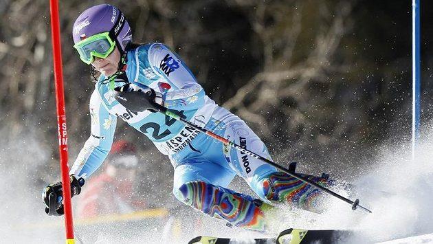 Šárka Záhrobská na trati slalomu v Aspenu.