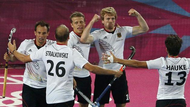 Radost německých pozemkářů, kteří vyhráli olympijský turnaj.