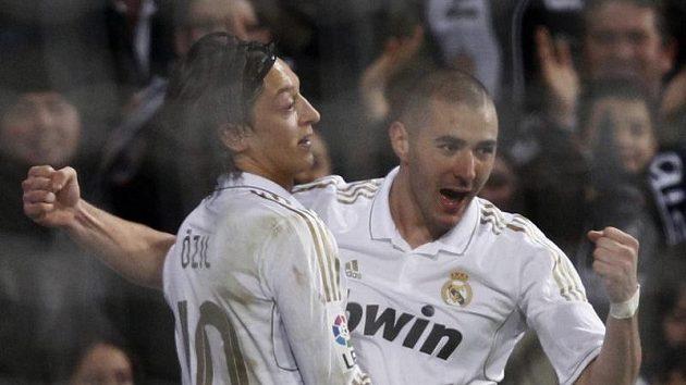 "O výhře ""Bílého baletu"" rozhodl Karim Benzema (vpravo)."