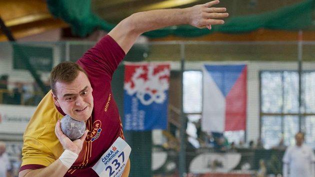 Koulař Ladislav Prášil z pražské Dukly na halovém mistrovství České republiky,