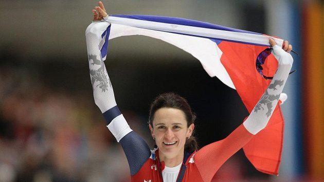 Euforie Martiny Sáblíkové po triumfu na letošním mistrovství světa v Inzellu v závodě na 3000 metrů!