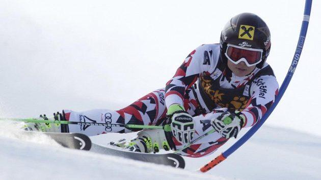 Rakušanka Anna Fenningerová při obřím slalomu v Mariboru.