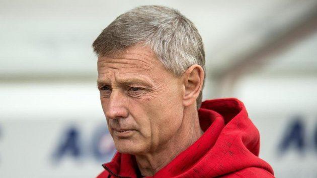 Trenér Sparty Praha Zdeněk Ščasný během utkání v Teplicích.