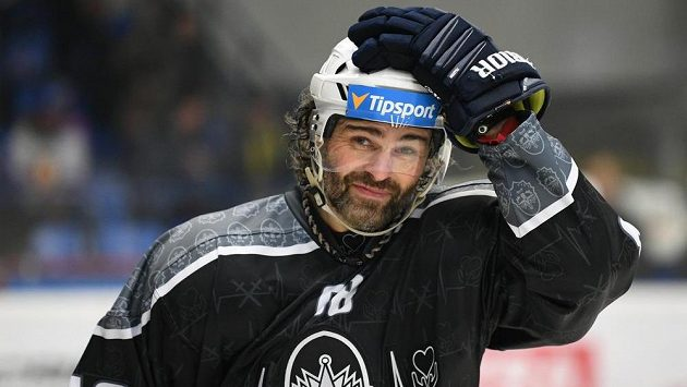 Oblékne v příští sezoně Jaromír Jágr i jný než jen kladenský dres?