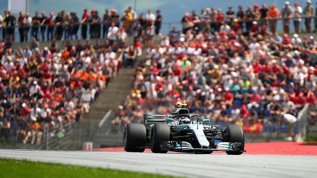 Valtteri Bottas při kvalifikaci na Velkou cenu Rakouska formule 1.