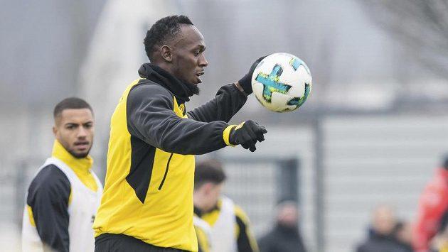 Jamajský sprinter Usain Bolt na tréninku Borussie Dortmund.