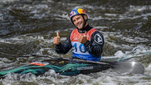 Kajakář Vavřinec Hradilek během finálové jízdy na mistrovství Evropy ve vodním slalomu v Praze. Ilustrační foto.