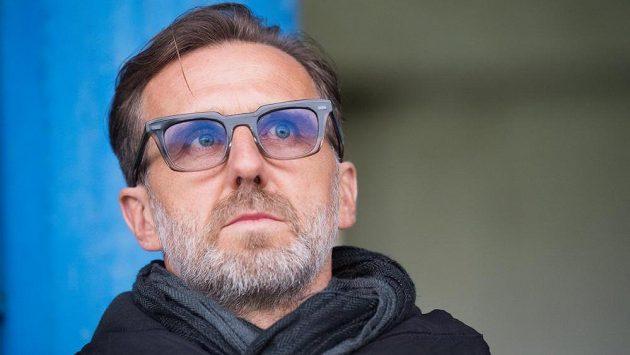 Bývalý fotbalový reprezentant Karel Poborský je připraven stát se předsedou Fotbalové asociace ČR. V jejím čele by chtěl nahradit Martina Malíka.