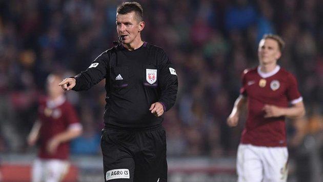 Rozhodčí Michal Paták derby zvládl.