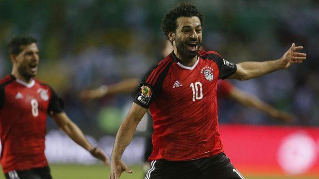 Egypťan Mohamed Salah jásá, jeho tým postupuje, vyřadil Burkinu Faso.