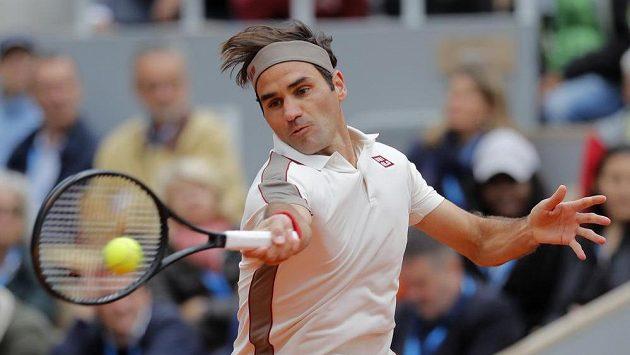 Švýcar Roger Federer v semifinále Roland Garros.