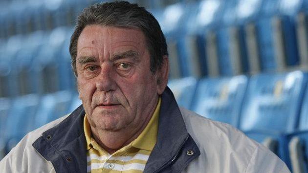 Ve věku 76 let zemřel legendární hokejový obránce Jan Suchý.