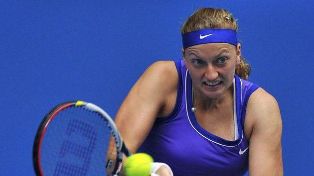 Petra Kvitová v zápase s Marií Kirilenkovou.