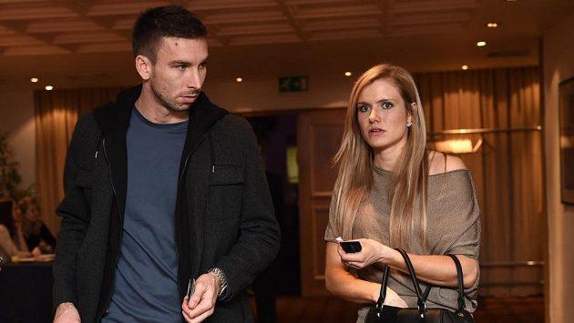 Badmintonista Petr Koukal s přítelkyní Gabrielou Soukalovou.