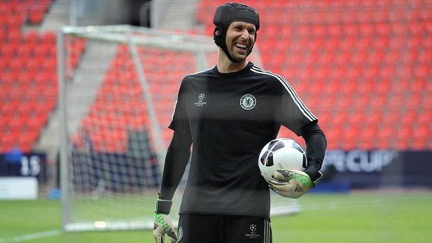 Gólman Petr Čech by mohl být tím cizincem, který Stamford Bridge opustí.
