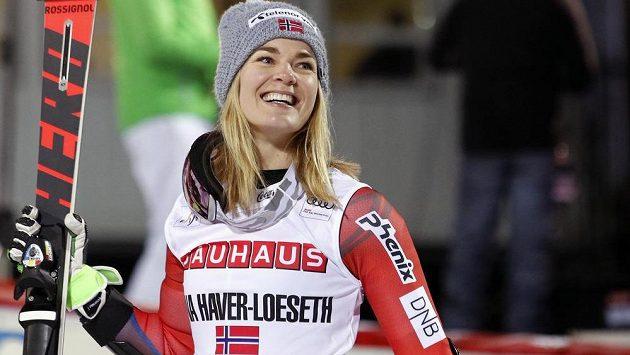 Norka Nina Haverová-Lösethová, vítězka paralelního slalomu SP ve Stockholmu.