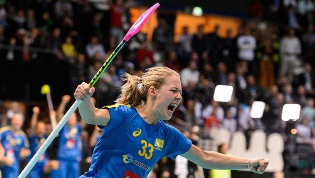 Radost Amandy Johanssonové Delgadové, jejíž trefa zajistila Švédsku titul.