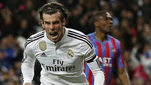 Gareth Bale z Realu Madrid slaví gól proti Levante v utkání 27. kola španělské fotbalové ligy.