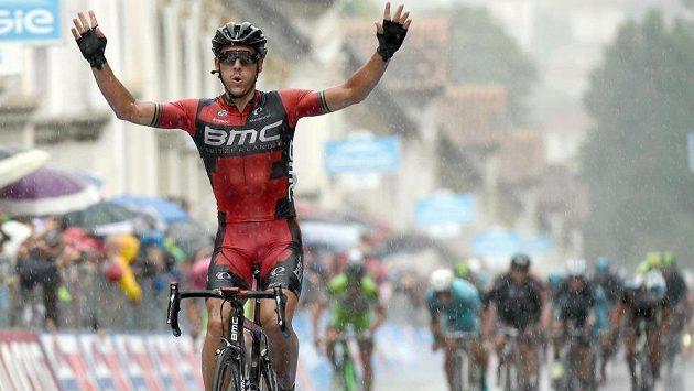 Belgičan Philippe Gilbert se raduje z etapového vítězství na Giru.