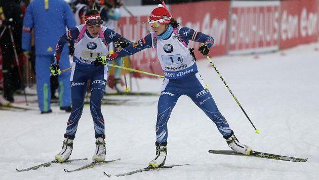 České biatlonistky Jitka Landová (vlevo) a Veronika Vítková.