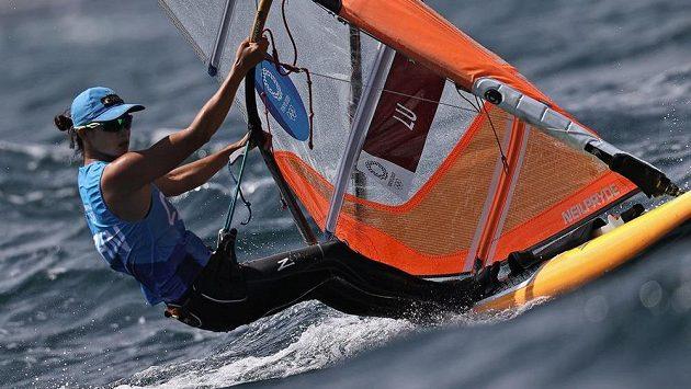 Číňanka Lu Jün-siou při derniéře windsurfingové třídy RS:X