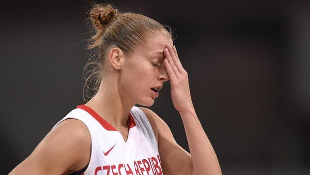 Basketbalistka Kateřina Elhotová během přátelského utkání s USA.