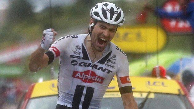 Nizozemský cyklista Tom Dumoulin se raduje z vítězství v 9. etapě letošního ročníku Tour de France.