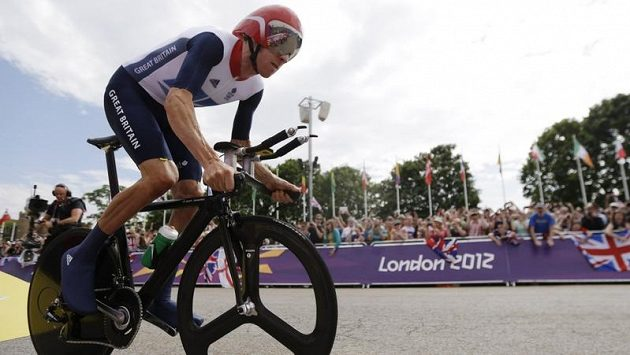 Bradley Wiggins si jede pro zlato v olympijské časovce.