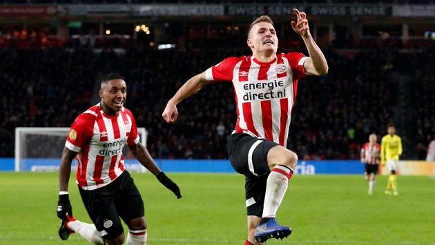 Český záložník Michal Sadílek slaví premiérový gól v nizozemské lize.