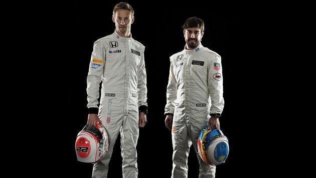 Jezdecká dvojice McLarenu pro rok 2015: Jenson Button (vlevo) a Fernando Alonso.