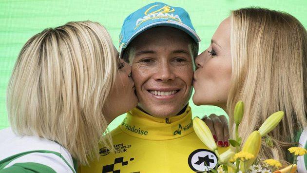 Kolumbijec Miguel Ángel López navlékl po 8. etapě Kolem Švýcarska žlutý trikot.