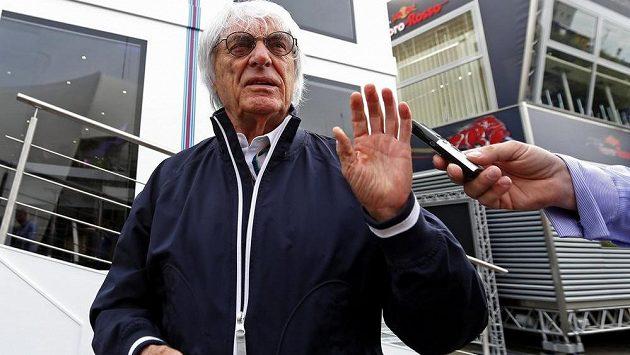Bernie Ecclestone při Velké ceně Belgie ve Spa.