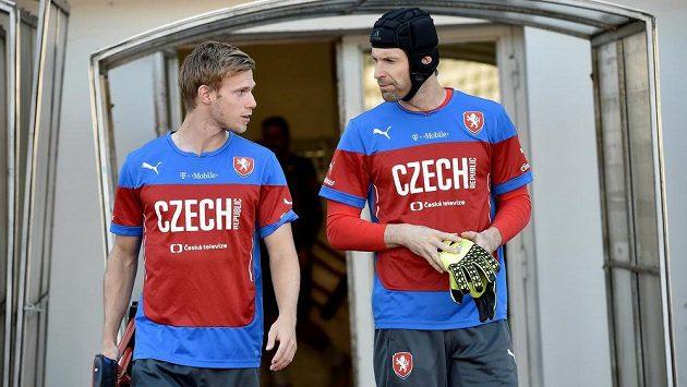 Tomáš Kalas (vlevo) v diskuzi s Petrem Čechem.