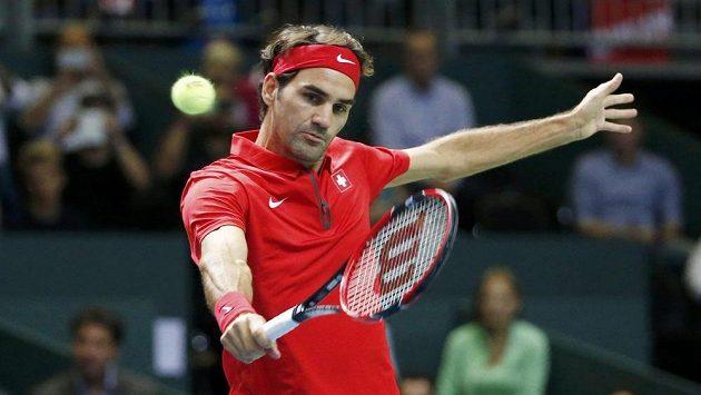 Roger Federer vyhrál v souboji s Nizozemskem obě dvouhry a pomohl udržet Švýcarsko ve Světové skupině Davisova poháru.