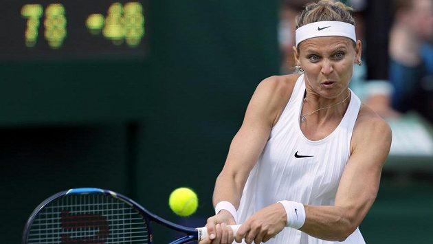 Lucie Šafářová během prvního kola Wimbledonu.