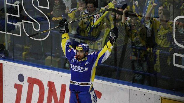 Zlínský útočník Bedřich Köhler se raduje z branky.