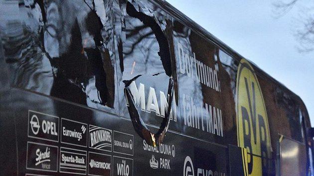 Bombový útok na fotbalisty Dortmundu, kteří v dubnu loňského roku cestovali k utkání Ligy mistrů s Monakem, si vyžádal několik zraněných. Útočník se u soudu k činu přiznal, tvrdí však, že nechtěl zabíjet.