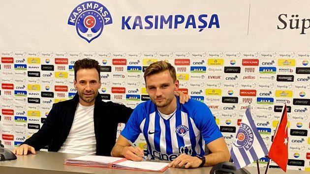 Tomáš Břečka se upsal Kasımpase za asistence svého agenta Viktora Koláře.