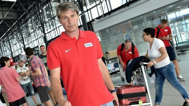Jan Železný před odletem na atletické mistrovství světa v Pekingu.
