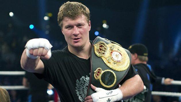 Ruský boxer Alexander Povětkin po vítězství nad Američanem Hasimem Rahmanem.
