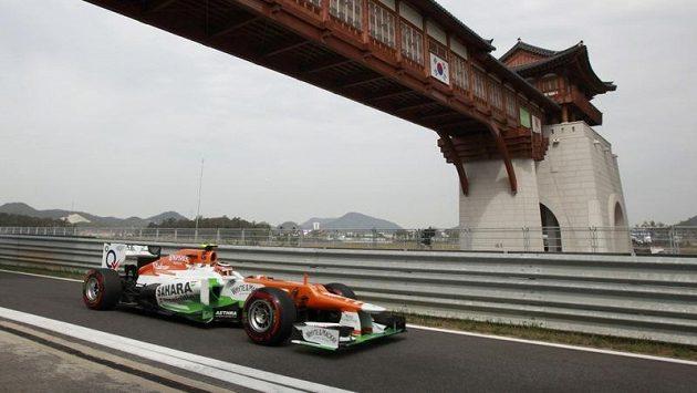 Pilot formule 1 Nico Hülkenberg ze stáje Force India na okruhu Velké ceny Koreje.