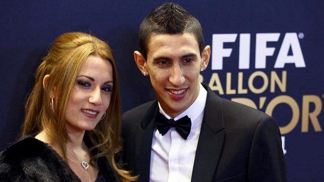 Argentinec Ángel Di María s manželkou Jorgelinou Cardosovou na vyhlášení Zlatého míče 2014.