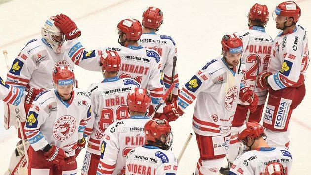 Třinečtí hokejisté slaví vítězství (ilustrační foto).