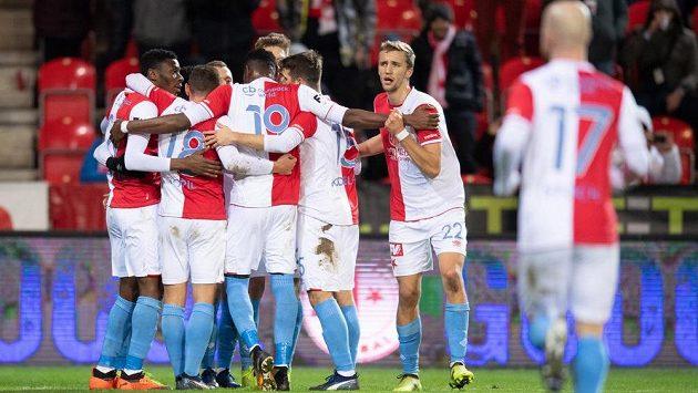 Fotbalisté Slavie Praha už vědí, kdo bude pískat čtvrteční duel EL proti Zenitu.
