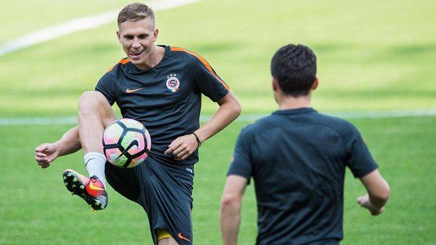 Bořek Dočkal na tréninku před utkáním 3. předkola Ligy mistrů proti Steaue Bukurešť.