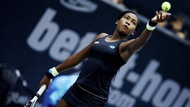 Patnáctiletá americká tenistka Cori Gauffová ve finále v Linci porazila 6:3, 1:6, 6:2 Jelenu Ostapenkovou z Lotyšska a získala první titul v kariéře