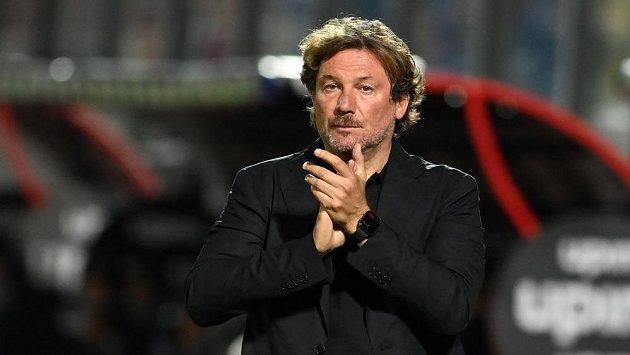 Vedení týmu italské fotbalové ligy Crotone propustilo trenéra Giovanniho Stroppu.