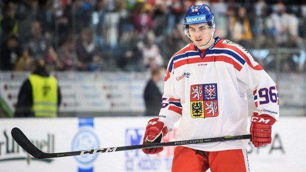 Český útočník David Tomášek během utkání Euro Hockey Challenge Česka se Švýcarskem.