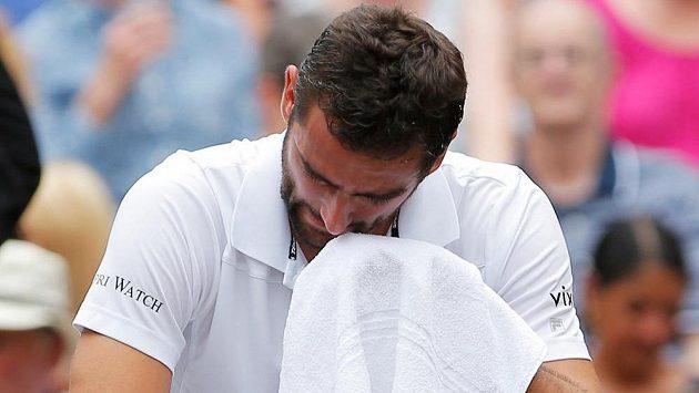 Plačící Marin Čilič ve finále Wimbledonu.